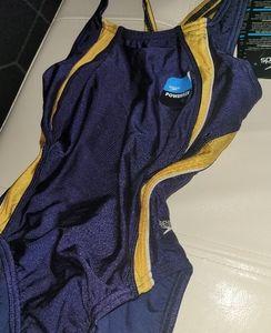 💜Speedo performance swimwear